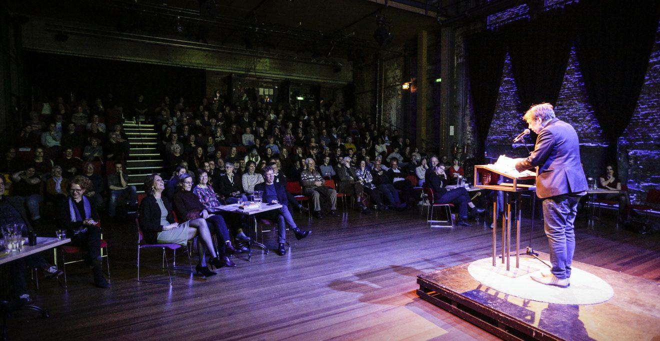 Stadsdichteravond: Poëzie in contrasten